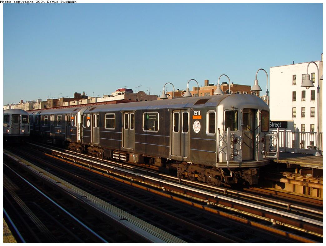 (114k, 1044x788)<br><b>Country:</b> United States<br><b>City:</b> New York<br><b>System:</b> New York City Transit<br><b>Line:</b> IRT Woodlawn Line<br><b>Location:</b> 170th Street <br><b>Route:</b> 4<br><b>Car:</b> R-62 (Kawasaki, 1983-1985)  1511 <br><b>Photo by:</b> David Pirmann<br><b>Date:</b> 7/12/2001<br><b>Viewed (this week/total):</b> 5 / 3017