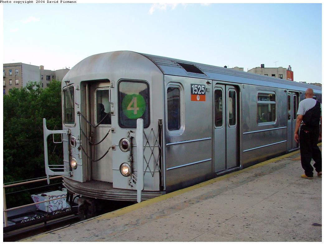 (113k, 1044x788)<br><b>Country:</b> United States<br><b>City:</b> New York<br><b>System:</b> New York City Transit<br><b>Line:</b> IRT Woodlawn Line<br><b>Location:</b> Burnside Avenue <br><b>Route:</b> 4<br><b>Car:</b> R-62 (Kawasaki, 1983-1985)  1525 <br><b>Photo by:</b> David Pirmann<br><b>Date:</b> 7/12/2001<br><b>Viewed (this week/total):</b> 0 / 5280