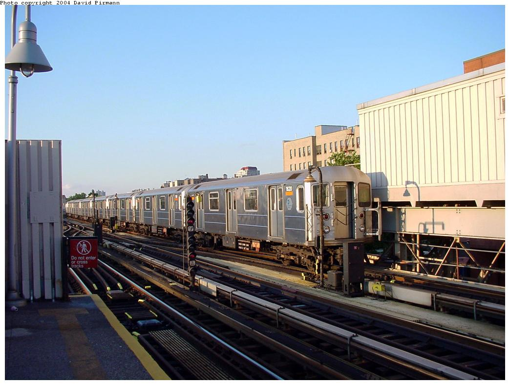 (121k, 1044x788)<br><b>Country:</b> United States<br><b>City:</b> New York<br><b>System:</b> New York City Transit<br><b>Line:</b> IRT Woodlawn Line<br><b>Location:</b> 167th Street <br><b>Route:</b> 4<br><b>Car:</b> R-62 (Kawasaki, 1983-1985)  1620 <br><b>Photo by:</b> David Pirmann<br><b>Date:</b> 7/12/2001<br><b>Viewed (this week/total):</b> 1 / 4281