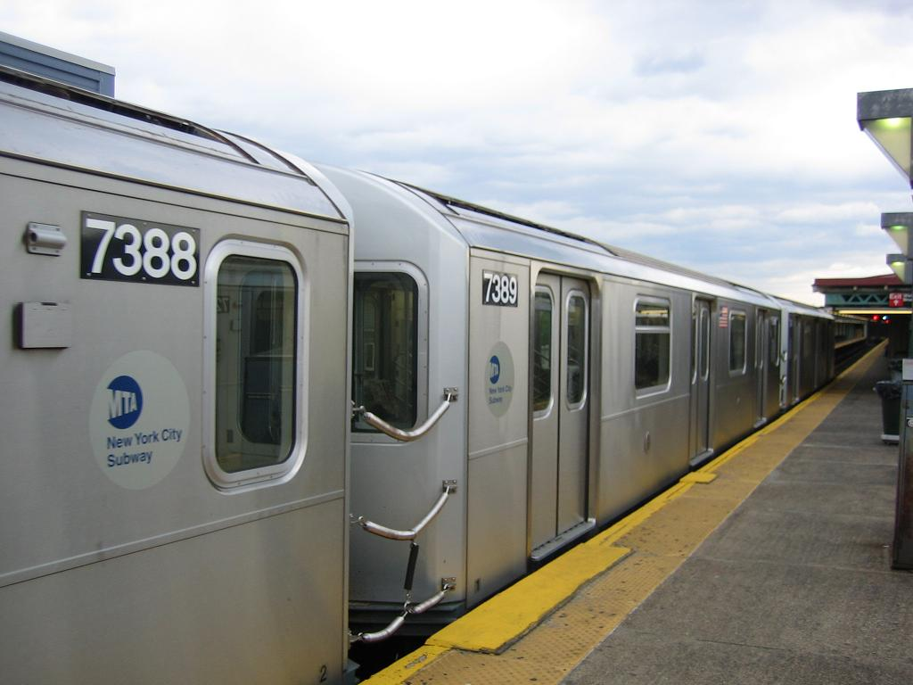 (83k, 1024x768)<br><b>Country:</b> United States<br><b>City:</b> New York<br><b>System:</b> New York City Transit<br><b>Line:</b> IRT Pelham Line<br><b>Location:</b> Pelham Bay Park <br><b>Route:</b> 6<br><b>Car:</b> R-142A (Primary Order, Kawasaki, 1999-2002)  7389 <br><b>Photo by:</b> Michael Hodurski<br><b>Date:</b> 5/21/2006<br><b>Viewed (this week/total):</b> 1 / 3685