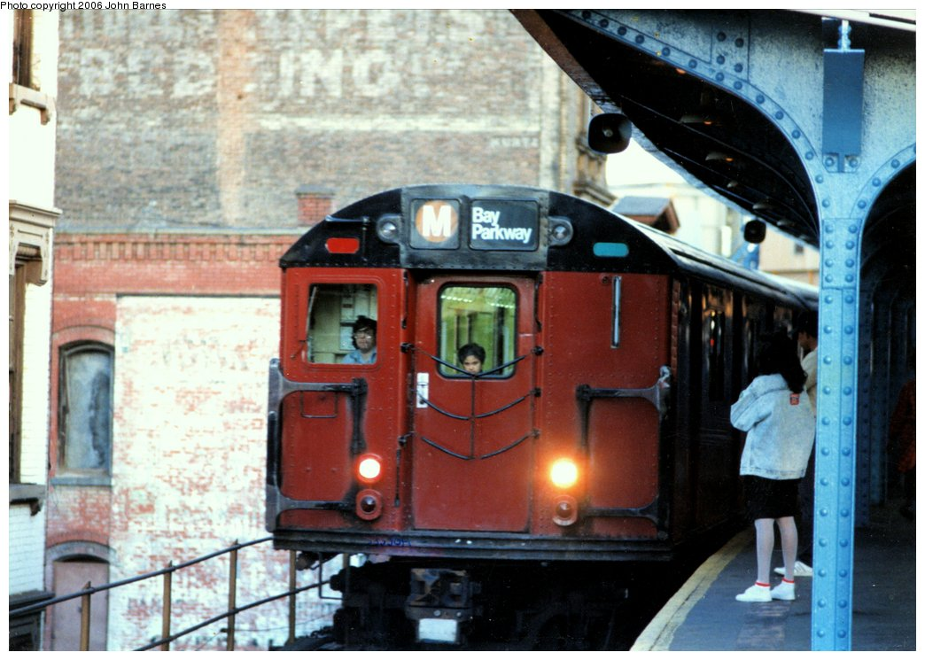(153k, 1044x745)<br><b>Country:</b> United States<br><b>City:</b> New York<br><b>System:</b> New York City Transit<br><b>Line:</b> BMT Nassau Street/Jamaica Line<br><b>Location:</b> Myrtle Avenue <br><b>Route:</b> M<br><b>Car:</b> R-30 (St. Louis, 1961)  <br><b>Photo by:</b> John Barnes<br><b>Date:</b> 9/15/1990<br><b>Viewed (this week/total):</b> 5 / 6366