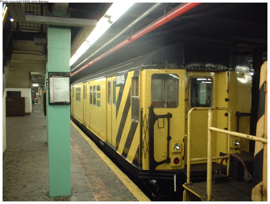 (178k, 1044x788)<br><b>Country:</b> United States<br><b>City:</b> New York<br><b>System:</b> New York City Transit<br><b>Line:</b> IND Queens Boulevard Line<br><b>Location:</b> 71st/Continental Aves./Forest Hills <br><b>Route:</b> Work Service<br><b>Car:</b> R-161 Rider Car (ex-R-33)  RD419 (ex-9067)<br><b>Photo by:</b> John Barnes<br><b>Date:</b> 6/9/2006<br><b>Viewed (this week/total):</b> 0 / 2395