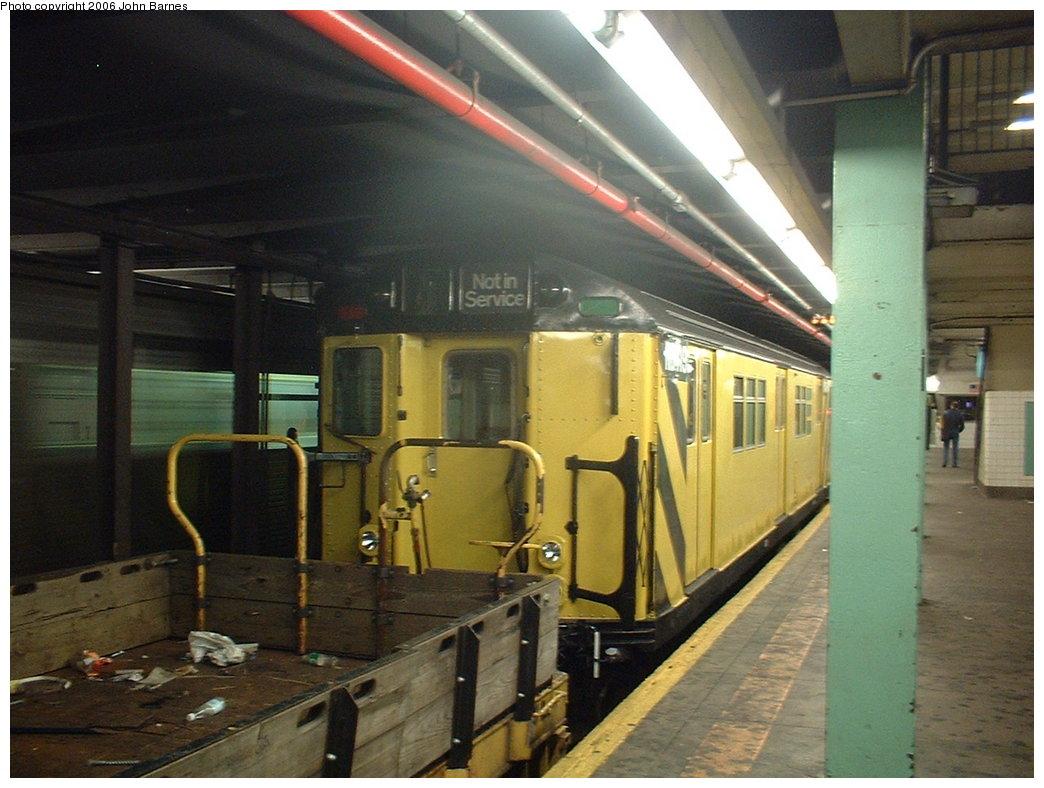 (179k, 1044x788)<br><b>Country:</b> United States<br><b>City:</b> New York<br><b>System:</b> New York City Transit<br><b>Line:</b> IND Queens Boulevard Line<br><b>Location:</b> 71st/Continental Aves./Forest Hills <br><b>Route:</b> Work Service<br><b>Car:</b> R-161 Rider Car (ex-R-33)  RD419 (ex-9067)<br><b>Photo by:</b> John Barnes<br><b>Date:</b> 6/9/2006<br><b>Viewed (this week/total):</b> 3 / 2315