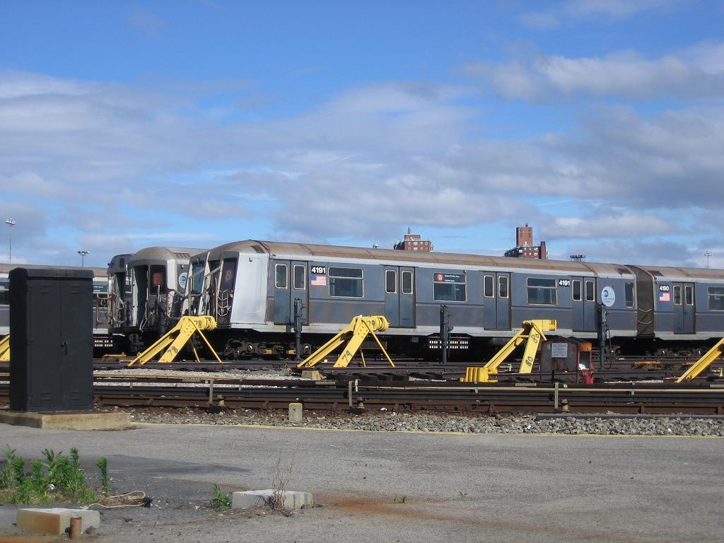 (113k, 1024x768)<br><b>Country:</b> United States<br><b>City:</b> New York<br><b>System:</b> New York City Transit<br><b>Location:</b> Coney Island Yard<br><b>Car:</b> R-40 (St. Louis, 1968)  4191 <br><b>Photo by:</b> Michael Hodurski<br><b>Date:</b> 6/10/2006<br><b>Viewed (this week/total):</b> 0 / 2286