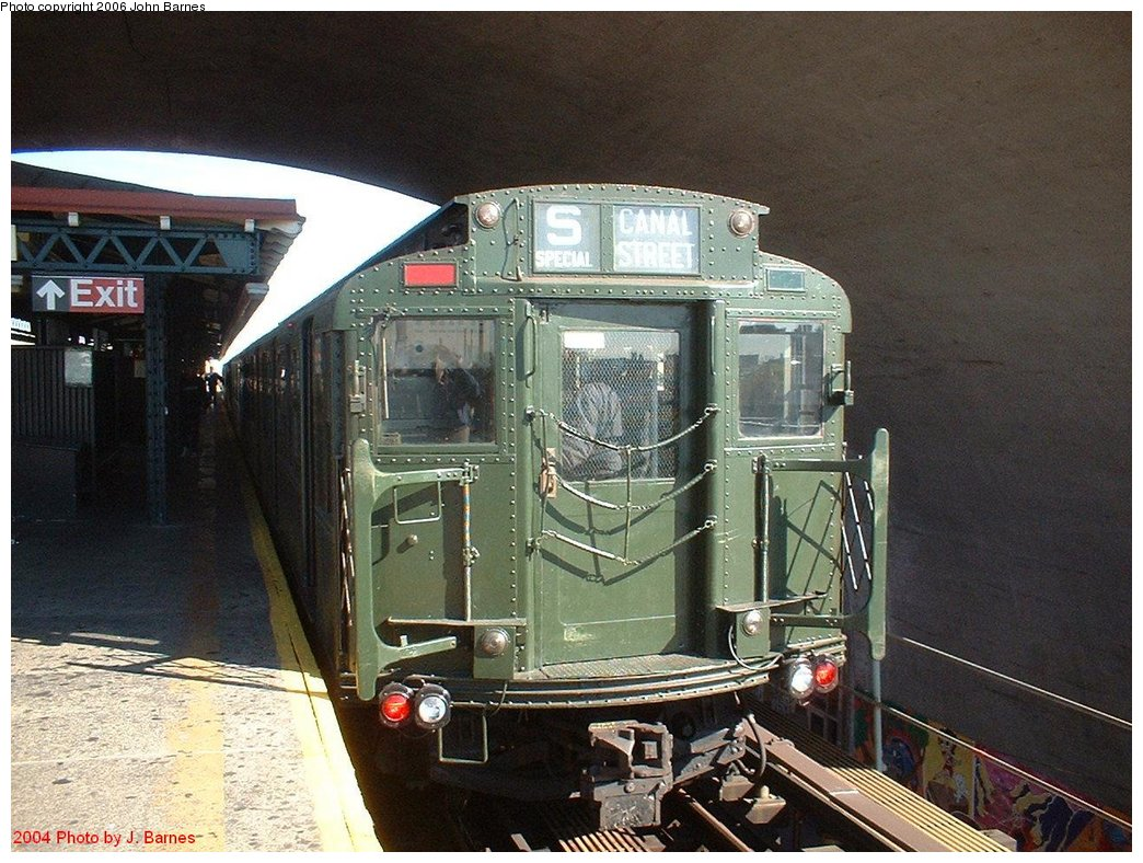 (208k, 1044x788)<br><b>Country:</b> United States<br><b>City:</b> New York<br><b>System:</b> New York City Transit<br><b>Line:</b> BMT Astoria Line<br><b>Location:</b> Ditmars Boulevard <br><b>Route:</b> Fan Trip<br><b>Car:</b> R-1 (American Car & Foundry, 1930-1931) 100 <br><b>Photo by:</b> John Barnes<br><b>Date:</b> 10/27/2004<br><b>Viewed (this week/total):</b> 0 / 2842