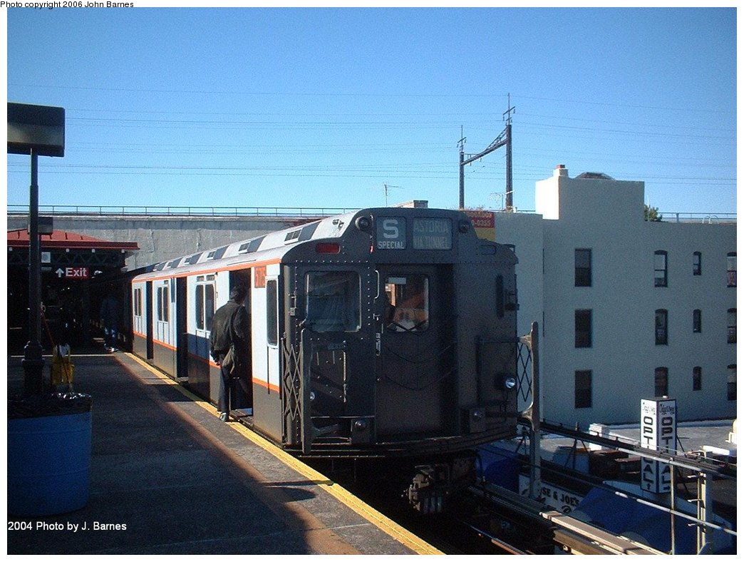 (188k, 1044x788)<br><b>Country:</b> United States<br><b>City:</b> New York<br><b>System:</b> New York City Transit<br><b>Line:</b> BMT Astoria Line<br><b>Location:</b> Ditmars Boulevard <br><b>Route:</b> Fan Trip<br><b>Car:</b> R-7A (Pullman, 1938)  1575 <br><b>Photo by:</b> John Barnes<br><b>Date:</b> 10/27/2004<br><b>Viewed (this week/total):</b> 0 / 2630