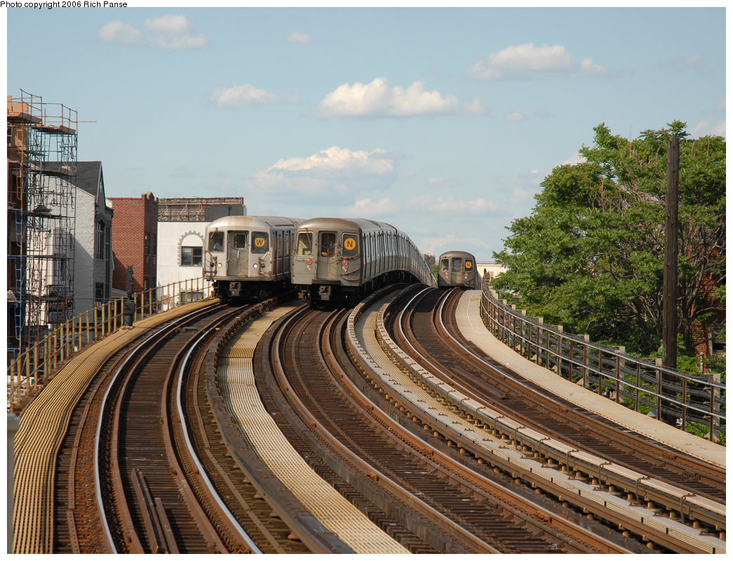 (280k, 1044x799)<br><b>Country:</b> United States<br><b>City:</b> New York<br><b>System:</b> New York City Transit<br><b>Line:</b> BMT Astoria Line<br><b>Location:</b> 30th/Grand Aves. <br><b>Route:</b> W<br><b>Car:</b> R-40M (St. Louis, 1969)   <br><b>Photo by:</b> Richard Panse<br><b>Date:</b> 6/13/2006<br><b>Notes:</b> With two R68A trains, one laid up on middle track.<br><b>Viewed (this week/total):</b> 0 / 3278