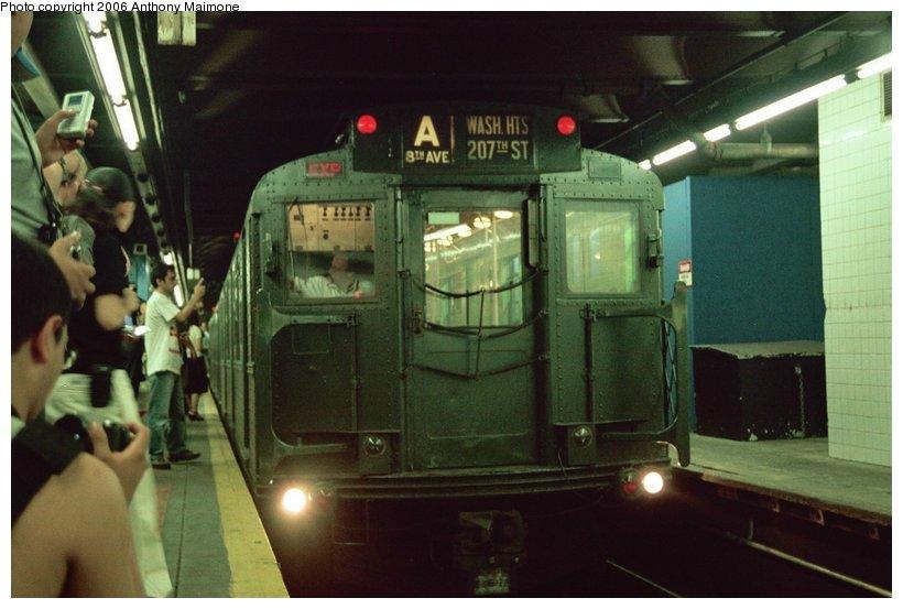 (92k, 820x553)<br><b>Country:</b> United States<br><b>City:</b> New York<br><b>System:</b> New York City Transit<br><b>Line:</b> IND 8th Avenue Line<br><b>Location:</b> 59th Street/Columbus Circle <br><b>Route:</b> Fan Trip<br><b>Car:</b> R-4 (American Car & Foundry, 1932-1933) 484 <br><b>Photo by:</b> Anthony Maimone<br><b>Date:</b> 6/17/2006<br><b>Viewed (this week/total):</b> 0 / 3370