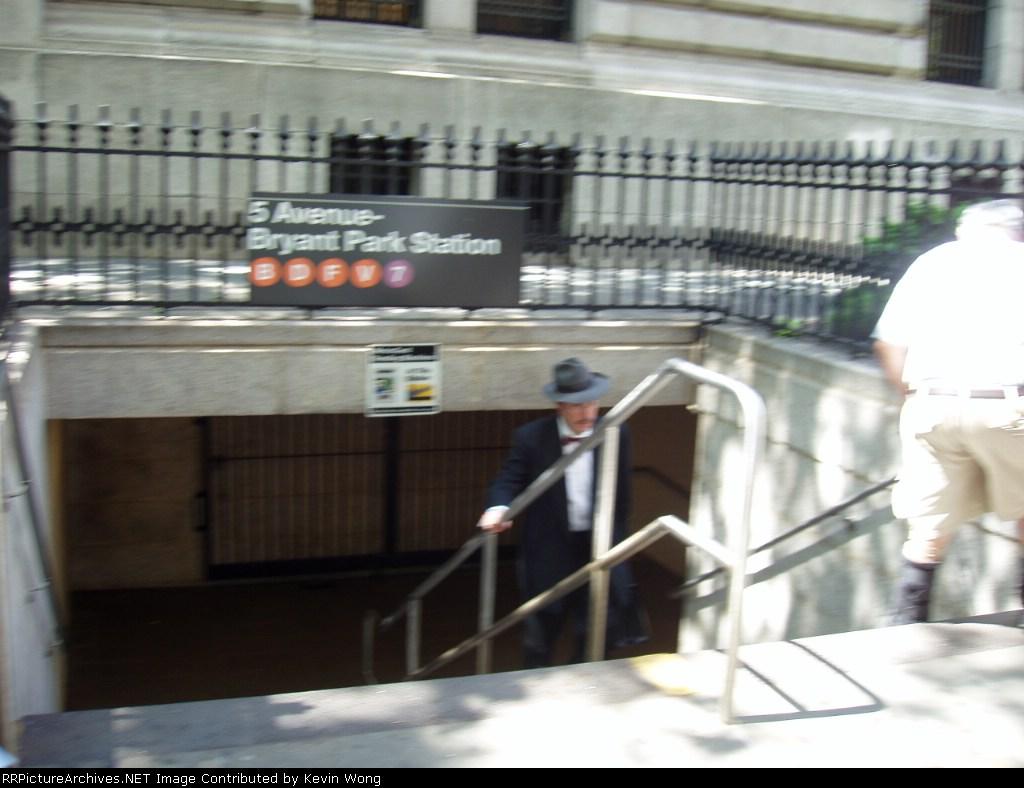 (129k, 1024x788)<br><b>Country:</b> United States<br><b>City:</b> New York<br><b>System:</b> New York City Transit<br><b>Line:</b> IRT Flushing Line<br><b>Location:</b> 5th Avenue <br><b>Photo by:</b> Kevin Wong<br><b>Date:</b> 5/25/2006<br><b>Notes:</b> Station entrance under New York Public Library.<br><b>Viewed (this week/total):</b> 0 / 4377