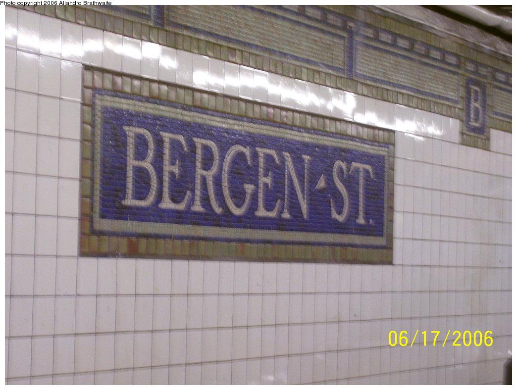 (157k, 1044x788)<br><b>Country:</b> United States<br><b>City:</b> New York<br><b>System:</b> New York City Transit<br><b>Line:</b> IRT Brooklyn Line<br><b>Location:</b> Bergen Street <br><b>Photo by:</b> Aliandro Brathwaite<br><b>Date:</b> 6/17/2006<br><b>Viewed (this week/total):</b> 0 / 2354