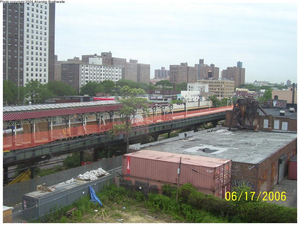 (211k, 1044x788)<br><b>Country:</b> United States<br><b>City:</b> New York<br><b>System:</b> New York City Transit<br><b>Line:</b> BMT Canarsie Line<br><b>Location:</b> Livonia Avenue <br><b>Photo by:</b> Aliandro Brathwaite<br><b>Date:</b> 6/17/2006<br><b>Notes:</b> Livonia Ave. station rehabilitation.<br><b>Viewed (this week/total):</b> 1 / 2934