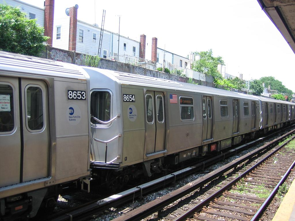 (153k, 1024x768)<br><b>Country:</b> United States<br><b>City:</b> New York<br><b>System:</b> New York City Transit<br><b>Line:</b> BMT Sea Beach Line<br><b>Location:</b> 18th Avenue <br><b>Car:</b> R-160A-2 (Alstom, 2005-2008, 5 car sets)  8654 <br><b>Photo by:</b> Michael Hodurski<br><b>Date:</b> 6/21/2006<br><b>Notes:</b> Test train on the Sea Beach line middle (express) track.<br><b>Viewed (this week/total):</b> 2 / 2675