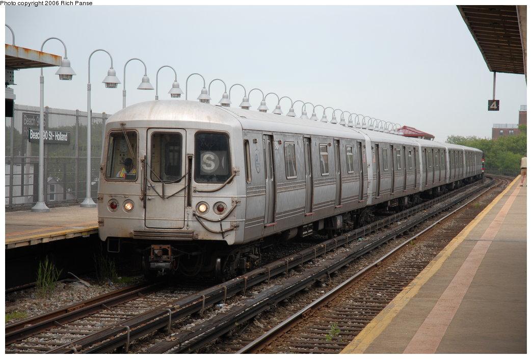 (182k, 1044x705)<br><b>Country:</b> United States<br><b>City:</b> New York<br><b>System:</b> New York City Transit<br><b>Line:</b> IND Rockaway<br><b>Location:</b> Beach 105th Street/Seaside <br><b>Route:</b> S<br><b>Car:</b> R-44 (St. Louis, 1971-73) 5434 <br><b>Photo by:</b> Richard Panse<br><b>Date:</b> 6/17/2006<br><b>Viewed (this week/total):</b> 2 / 3027