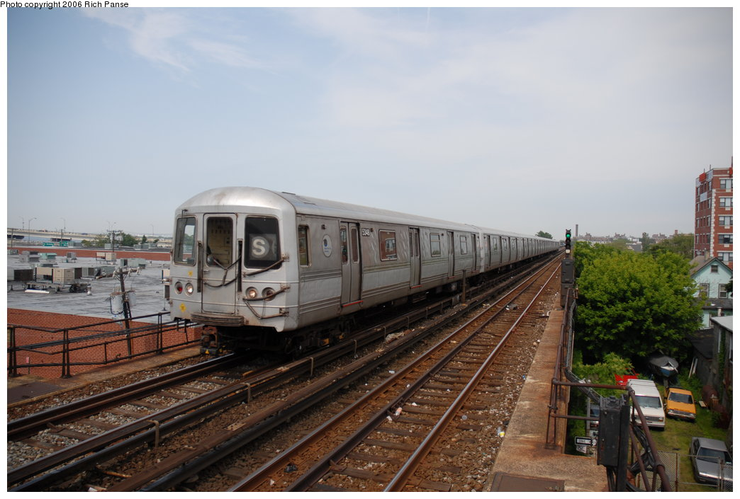 (177k, 1044x705)<br><b>Country:</b> United States<br><b>City:</b> New York<br><b>System:</b> New York City Transit<br><b>Line:</b> IND Rockaway<br><b>Location:</b> Beach 105th Street/Seaside <br><b>Route:</b> S<br><b>Car:</b> R-44 (St. Louis, 1971-73) 5434 <br><b>Photo by:</b> Richard Panse<br><b>Date:</b> 6/17/2006<br><b>Viewed (this week/total):</b> 2 / 2320