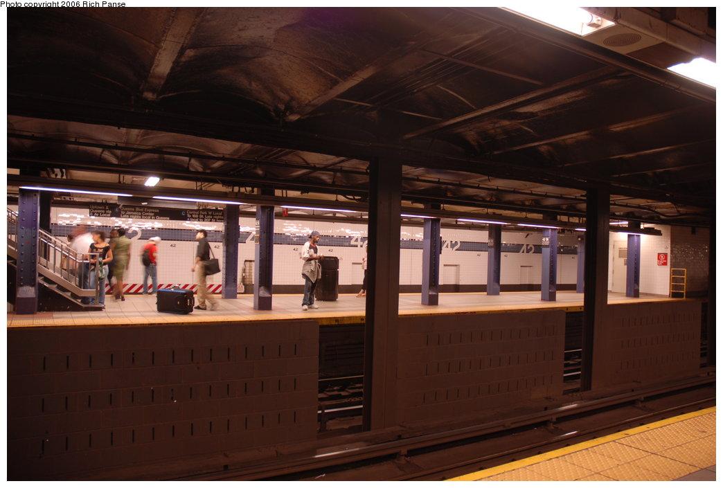 (161k, 1044x705)<br><b>Country:</b> United States<br><b>City:</b> New York<br><b>System:</b> New York City Transit<br><b>Line:</b> IND 8th Avenue Line<br><b>Location:</b> 42nd Street/Port Authority Bus Terminal <br><b>Photo by:</b> Richard Panse<br><b>Date:</b> 6/16/2006<br><b>Viewed (this week/total):</b> 0 / 2873