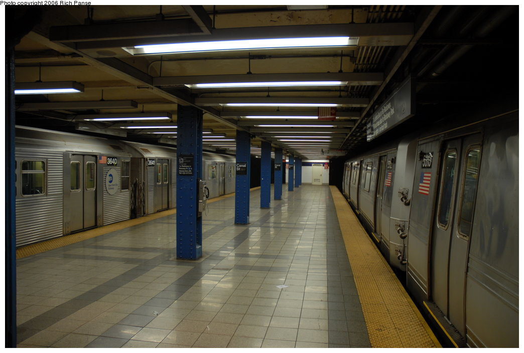 (165k, 1044x705)<br><b>Country:</b> United States<br><b>City:</b> New York<br><b>System:</b> New York City Transit<br><b>Line:</b> IND 8th Avenue Line<br><b>Location:</b> Canal Street-Holland Tunnel <br><b>Route:</b> E<br><b>Car:</b> R-32 (Budd, 1964)  3641 <br><b>Photo by:</b> Richard Panse<br><b>Date:</b> 6/16/2006<br><b>Viewed (this week/total):</b> 1 / 4331