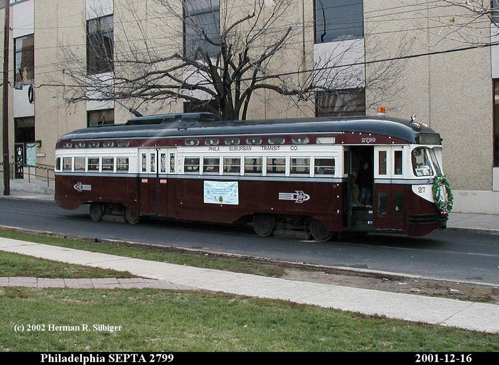 (239k, 1024x749)<br><b>Country:</b> United States<br><b>City:</b> Philadelphia, PA<br><b>System:</b> SEPTA (or Predecessor)<br><b>Line:</b> SEPTA Subway-Surface Diversion Routes<br><b>Location:</b> Filbert/40th <br><b>Route:</b> Fan Trip<br><b>Car:</b> PTC/SEPTA Postwar All-electric PCC (St.Louis, 1947)  2799 <br><b>Photo by:</b> Herman R. Silbiger<br><b>Date:</b> 12/16/2001<br><b>Viewed (this week/total):</b> 1 / 930