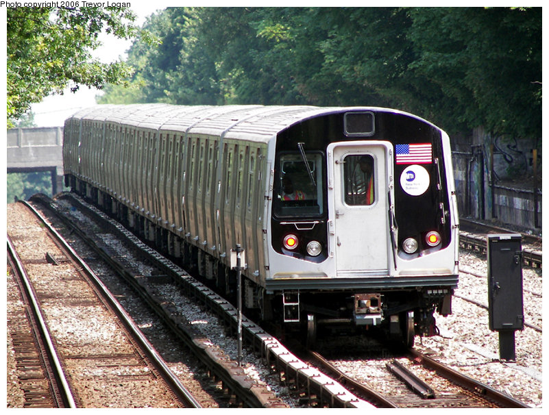 (243k, 801x606)<br><b>Country:</b> United States<br><b>City:</b> New York<br><b>System:</b> New York City Transit<br><b>Line:</b> BMT Sea Beach Line<br><b>Location:</b> Fort Hamilton Parkway <br><b>Car:</b> R-160B (Kawasaki, 2005-2008)  8713 <br><b>Photo by:</b> Trevor Logan<br><b>Date:</b> 6/22/2006<br><b>Viewed (this week/total):</b> 1 / 3693