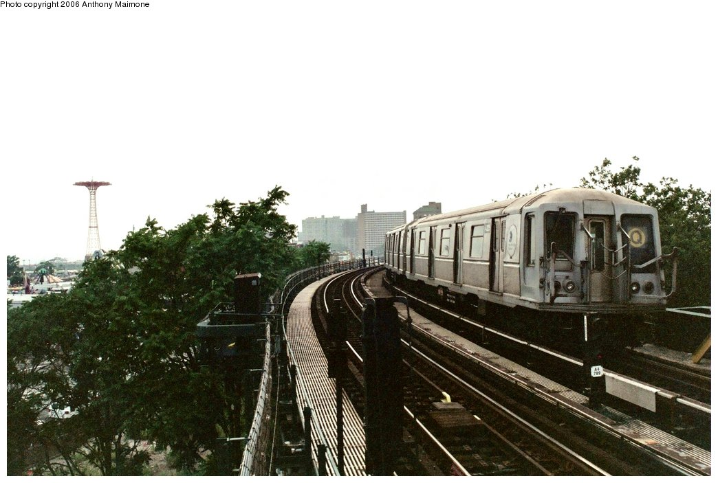 (141k, 1044x703)<br><b>Country:</b> United States<br><b>City:</b> New York<br><b>System:</b> New York City Transit<br><b>Line:</b> BMT Brighton Line<br><b>Location:</b> West 8th Street <br><b>Route:</b> Q<br><b>Car:</b> R-40 (St. Louis, 1968)  4325 <br><b>Photo by:</b> Anthony Maimone<br><b>Date:</b> 7/2/2006<br><b>Viewed (this week/total):</b> 4 / 3014