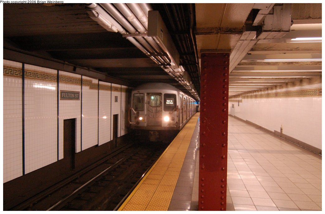 (188k, 1044x689)<br><b>Country:</b> United States<br><b>City:</b> New York<br><b>System:</b> New York City Transit<br><b>Line:</b> BMT Nassau Street/Jamaica Line<br><b>Location:</b> Fulton Street <br><b>Car:</b> R-42 (St. Louis, 1969-1970)   <br><b>Photo by:</b> Brian Weinberg<br><b>Date:</b> 6/28/2006<br><b>Notes:</b> Back of the northbound platform, i.e. the lower level (looking south).<br><b>Viewed (this week/total):</b> 5 / 3516