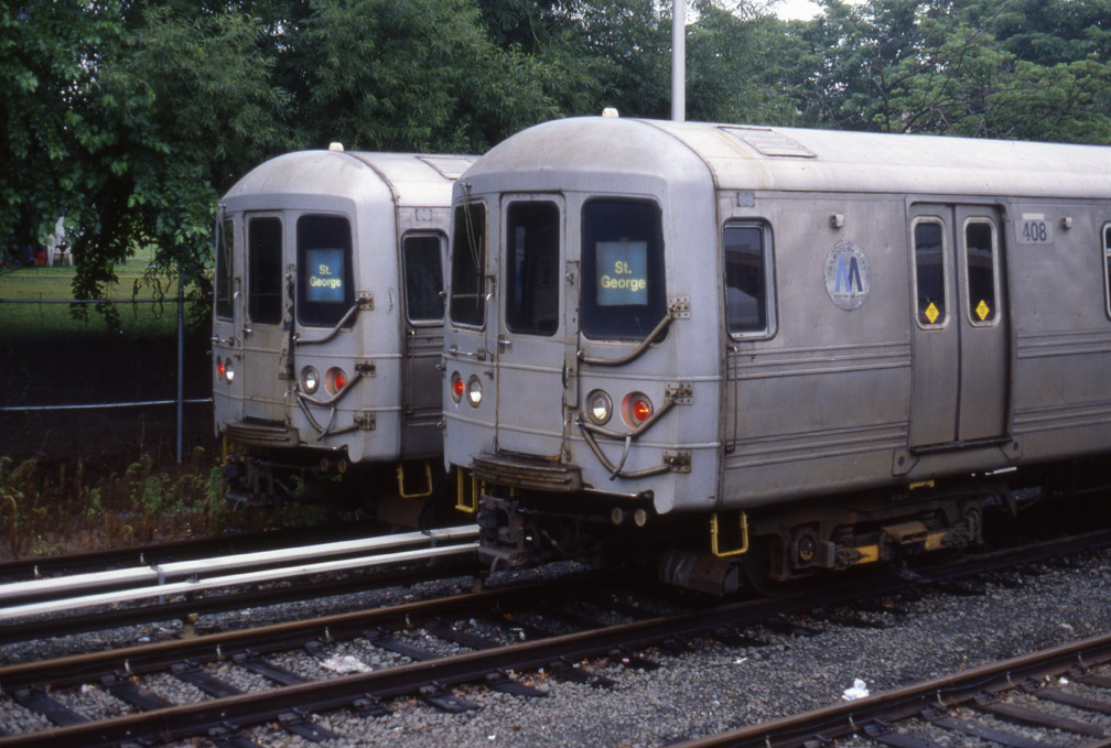 (199k, 1008x679)<br><b>Country:</b> United States<br><b>City:</b> New York<br><b>System:</b> New York City Transit<br><b>Line:</b> SIRT<br><b>Location:</b> Tottenville <br><b>Car:</b> R-44 SIRT (St. Louis, 1971-1973) 408 <br><b>Photo by:</b> Marc Pitanza<br><b>Date:</b> 6/24/2006<br><b>Viewed (this week/total):</b> 0 / 3808