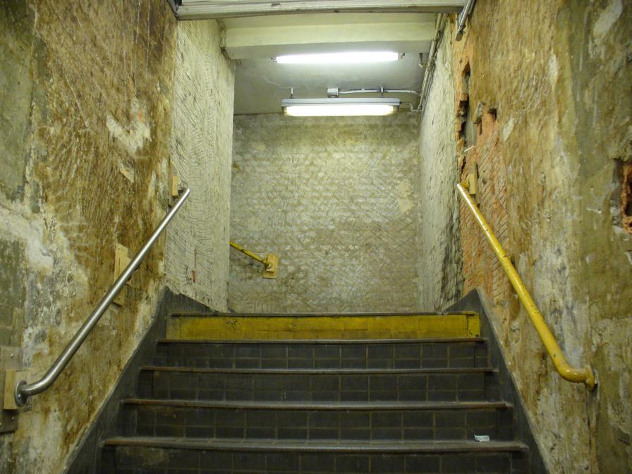 (121k, 896x672)<br><b>Country:</b> United States<br><b>City:</b> New York<br><b>System:</b> New York City Transit<br><b>Line:</b> IRT East Side Line<br><b>Location:</b> Wall Street <br><b>Photo by:</b> Robbie Rosenfeld<br><b>Date:</b> 7/7/2006<br><b>Notes:</b> Station renovation.<br><b>Viewed (this week/total):</b> 3 / 2980