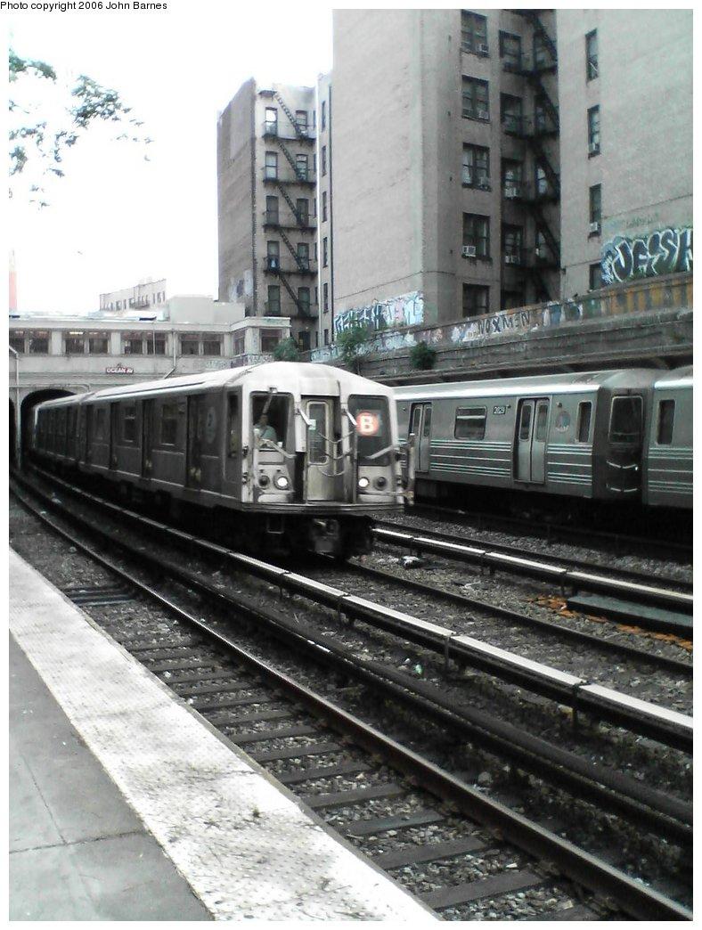 (160k, 788x1044)<br><b>Country:</b> United States<br><b>City:</b> New York<br><b>System:</b> New York City Transit<br><b>Line:</b> BMT Brighton Line<br><b>Location:</b> Parkside Avenue <br><b>Route:</b> B<br><b>Car:</b> R-40 (St. Louis, 1968)  4403 <br><b>Photo by:</b> John Barnes<br><b>Date:</b> 7/10/2006<br><b>Viewed (this week/total):</b> 1 / 2942