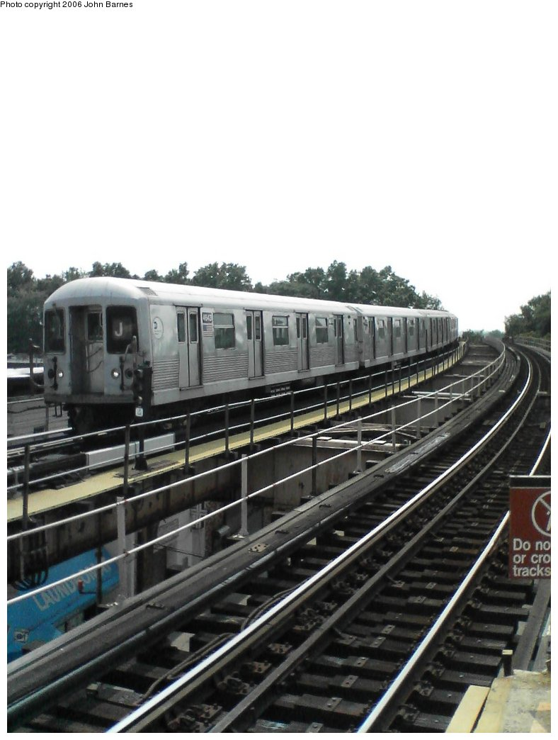 (128k, 788x1044)<br><b>Country:</b> United States<br><b>City:</b> New York<br><b>System:</b> New York City Transit<br><b>Line:</b> BMT Nassau Street/Jamaica Line<br><b>Location:</b> 102nd-104th Streets <br><b>Route:</b> J<br><b>Car:</b> R-42 (St. Louis, 1969-1970)  4643 <br><b>Photo by:</b> John Barnes<br><b>Date:</b> 7/10/2006<br><b>Viewed (this week/total):</b> 1 / 2946