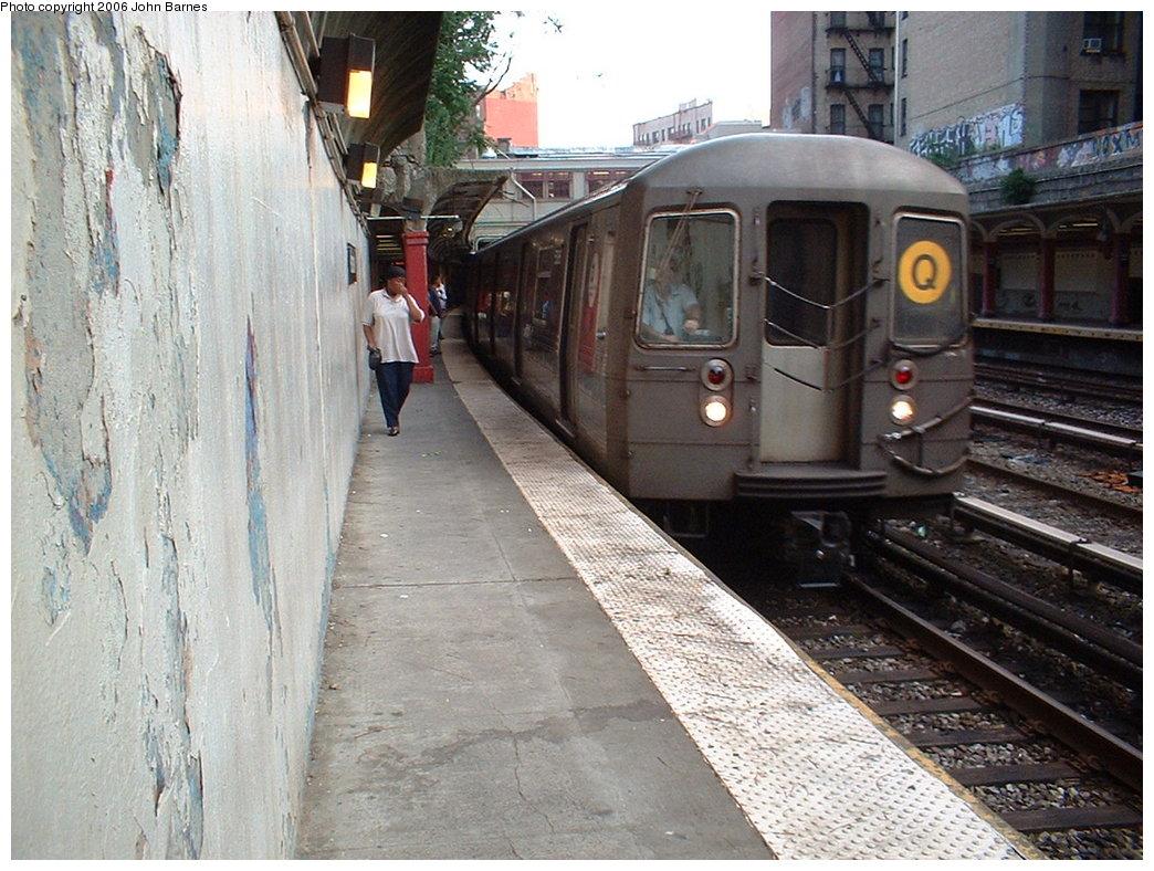 (215k, 1044x788)<br><b>Country:</b> United States<br><b>City:</b> New York<br><b>System:</b> New York City Transit<br><b>Line:</b> BMT Brighton Line<br><b>Location:</b> Parkside Avenue <br><b>Route:</b> B<br><b>Car:</b> R-68/R-68A Series (Number Unknown)  <br><b>Photo by:</b> John Barnes<br><b>Date:</b> 7/10/2006<br><b>Viewed (this week/total):</b> 0 / 3204