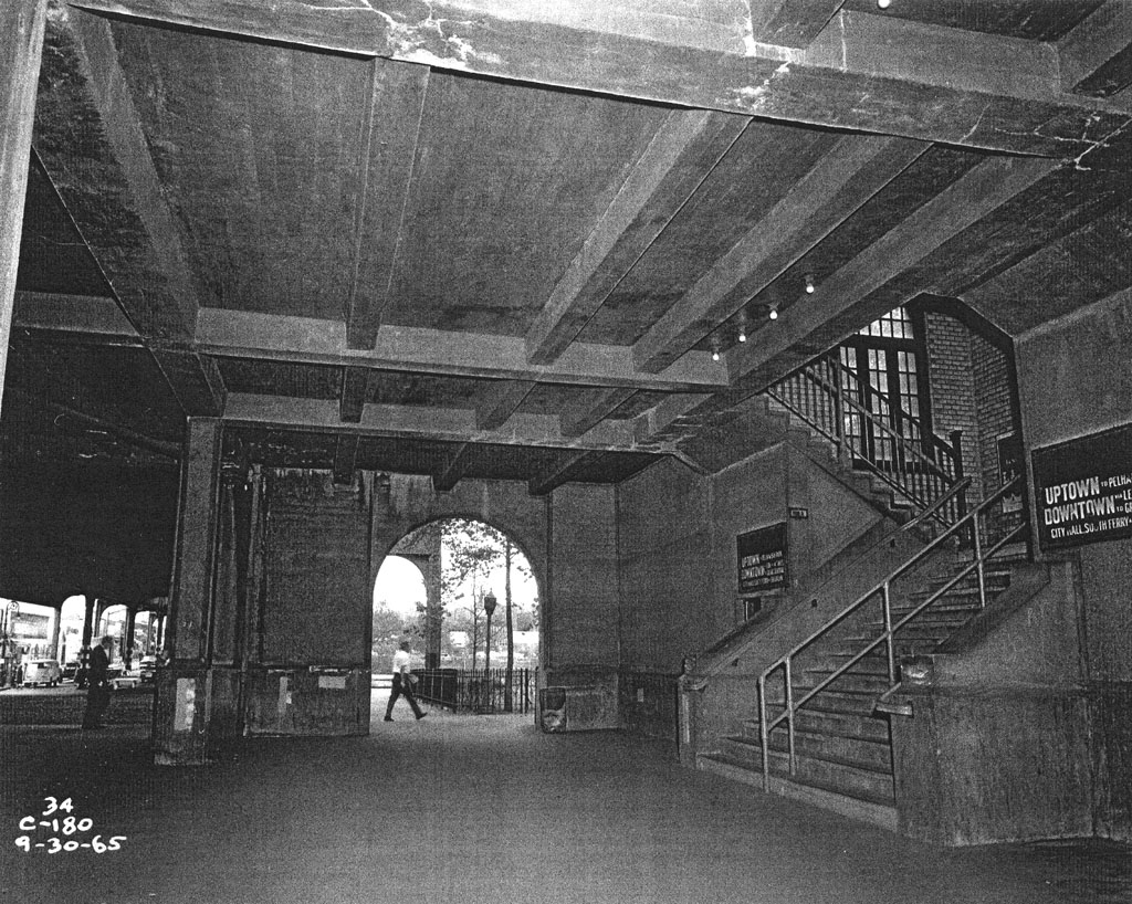 (281k, 1024x818)<br><b>Country:</b> United States<br><b>City:</b> New York<br><b>System:</b> New York City Transit<br><b>Line:</b> IRT Pelham Line<br><b>Location:</b> Westchester Square <br><b>Collection of:</b> Al Westerfield<br><b>Date:</b> 9/30/1965<br><b>Viewed (this week/total):</b> 0 / 2469