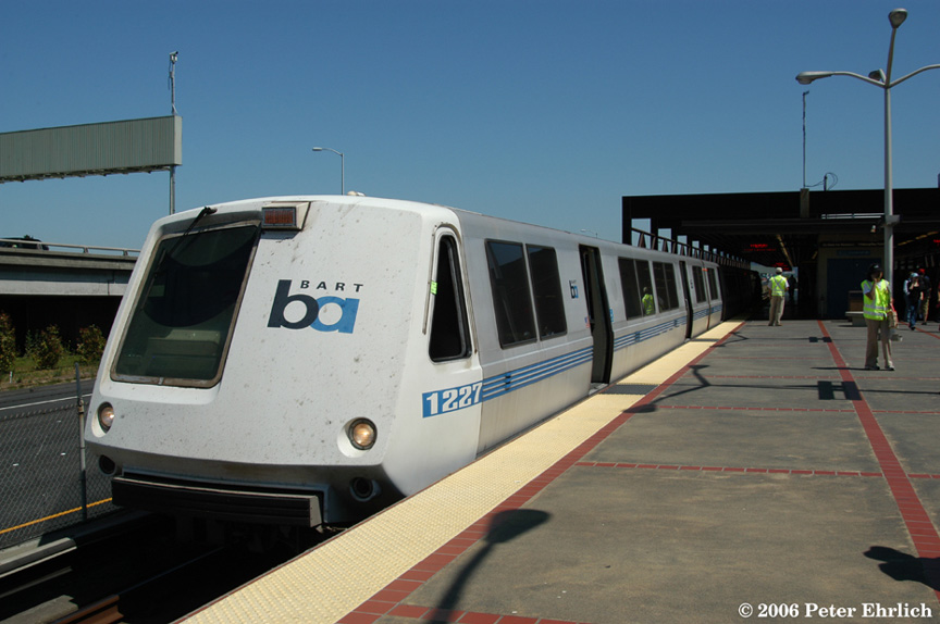 (148k, 864x574)<br><b>Country:</b> United States<br><b>City:</b> San Francisco/Bay Area, CA<br><b>System:</b> BART<br><b>Location:</b> MacArthur<br><b>Car:</b> BART 1227 <br><b>Photo by:</b> Peter Ehrlich<br><b>Date:</b> 6/23/2006<br><b>Notes:</b> Southbound Richmond/Fremont train.<br><b>Viewed (this week/total):</b> 1 / 1857