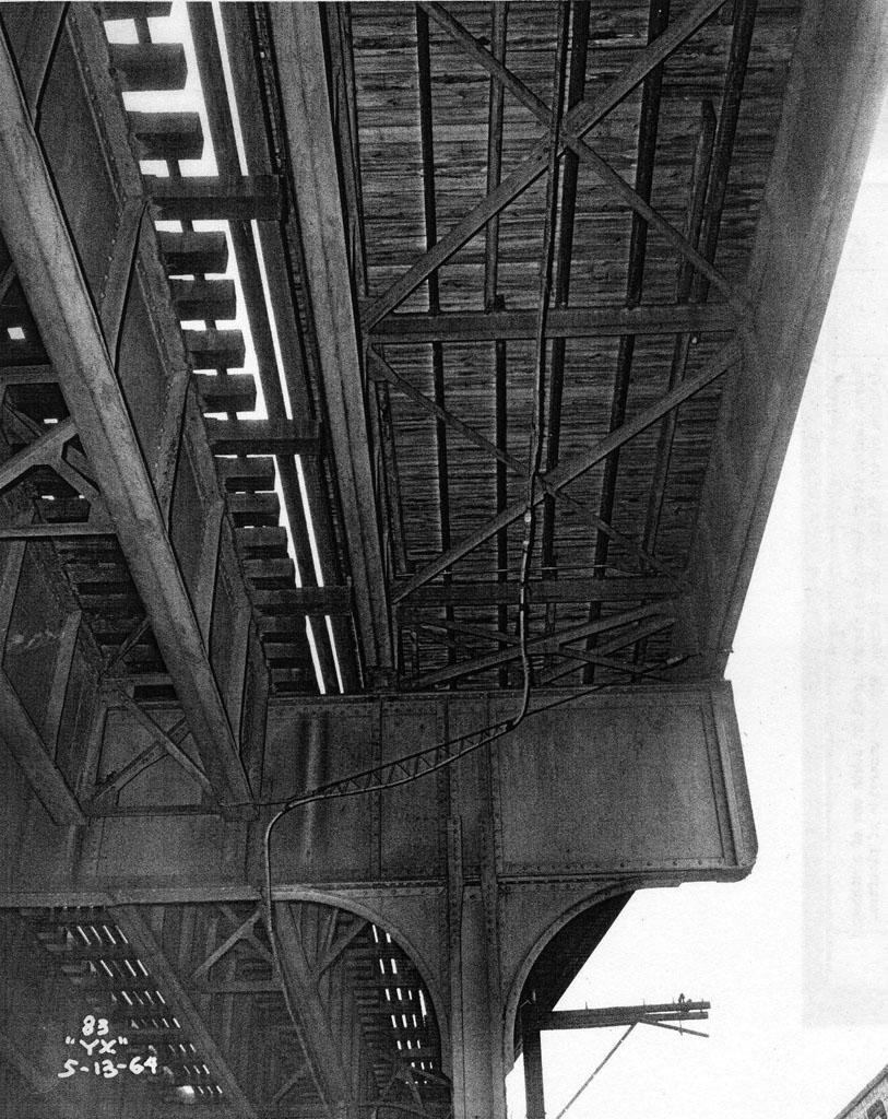 (248k, 813x1024)<br><b>Country:</b> United States<br><b>City:</b> New York<br><b>System:</b> New York City Transit<br><b>Line:</b> IRT Pelham Line<br><b>Location:</b> Whitlock Avenue <br><b>Collection of:</b> Al Westerfield<br><b>Date:</b> 5/13/1964<br><b>Viewed (this week/total):</b> 1 / 1324