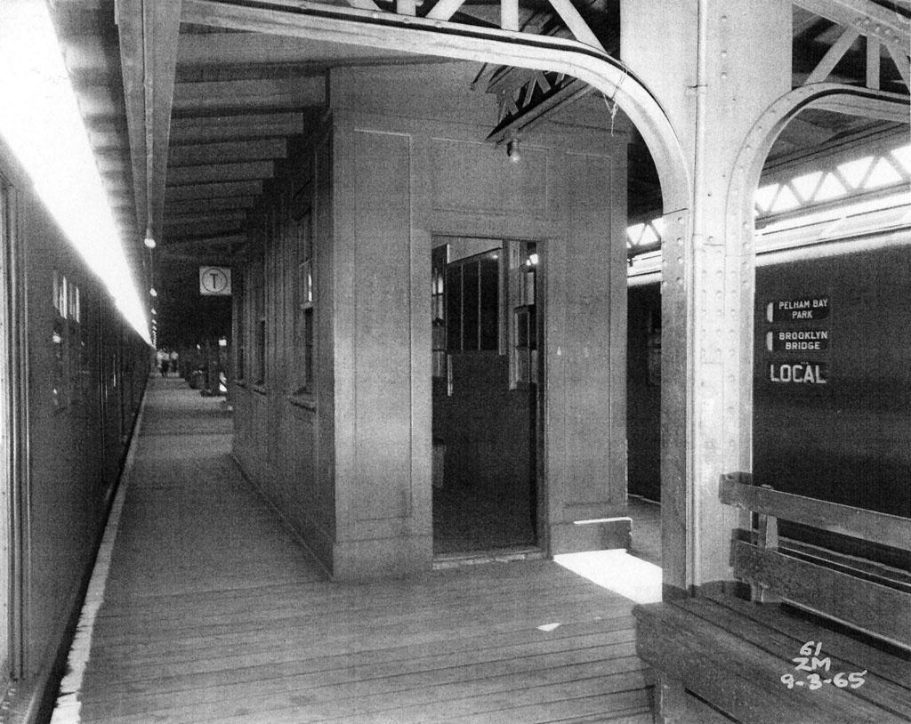 (217k, 1024x814)<br><b>Country:</b> United States<br><b>City:</b> New York<br><b>System:</b> New York City Transit<br><b>Line:</b> IRT Pelham Line<br><b>Location:</b> Pelham Bay Park <br><b>Collection of:</b> Al Westerfield<br><b>Date:</b> 9/3/1965<br><b>Viewed (this week/total):</b> 2 / 1764