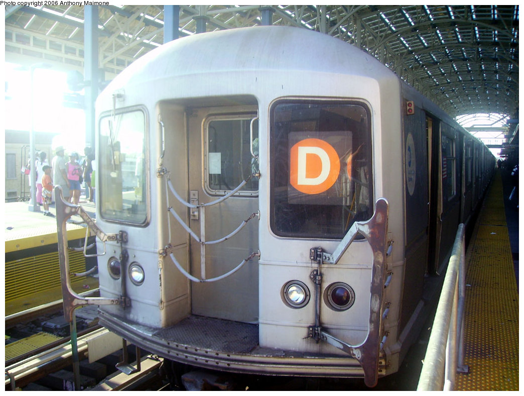 (218k, 1044x788)<br><b>Country:</b> United States<br><b>City:</b> New York<br><b>System:</b> New York City Transit<br><b>Location:</b> Coney Island/Stillwell Avenue<br><b>Route:</b> D<br><b>Car:</b> R-40M (St. Louis, 1969)  4527 <br><b>Photo by:</b> Anthony Maimone<br><b>Date:</b> 7/16/2006<br><b>Notes:</b> R40M extra train on Yankees special service.<br><b>Viewed (this week/total):</b> 0 / 3265