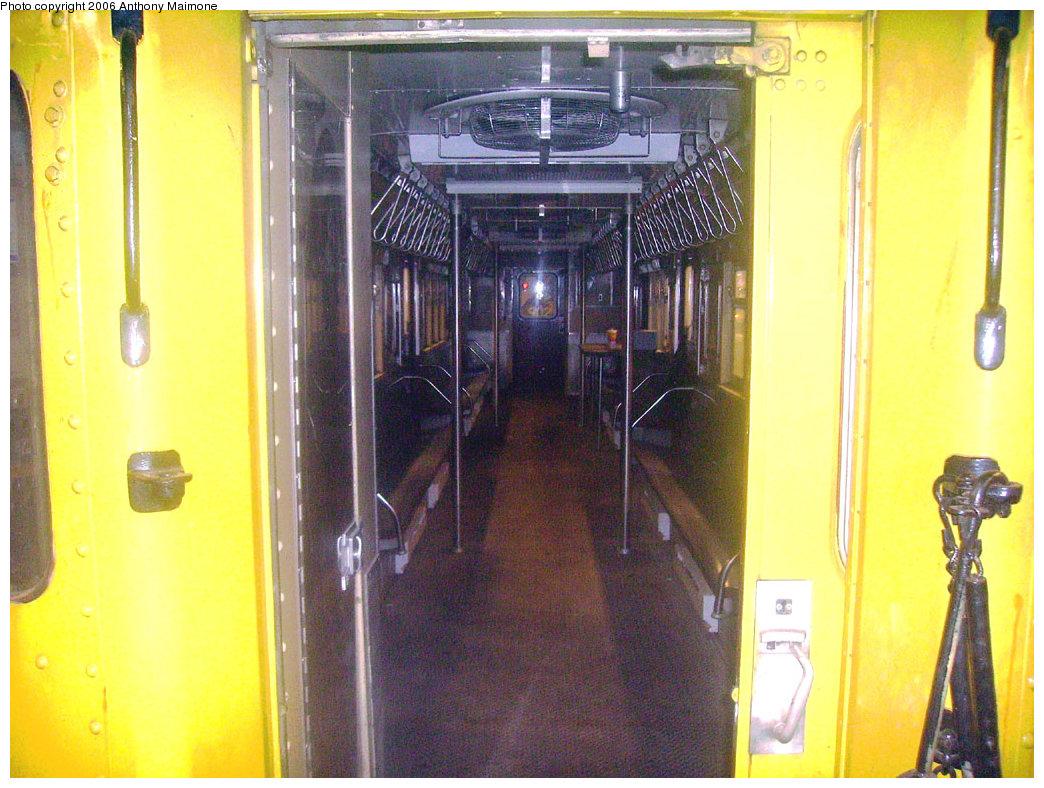 (252k, 1044x788)<br><b>Country:</b> United States<br><b>City:</b> New York<br><b>System:</b> New York City Transit<br><b>Line:</b> IND Concourse Line<br><b>Location:</b> Tremont Avenue <br><b>Route:</b> Work Service<br><b>Car:</b> R-161 Rider Car (ex-R-33)  RD422 (ex-8862)<br><b>Photo by:</b> Anthony Maimone<br><b>Date:</b> 7/16/2006<br><b>Viewed (this week/total):</b> 1 / 3859