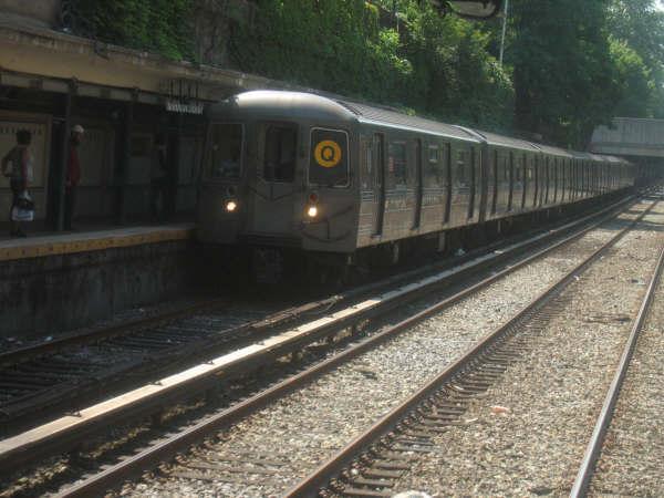 (43k, 600x450)<br><b>Country:</b> United States<br><b>City:</b> New York<br><b>System:</b> New York City Transit<br><b>Line:</b> BMT Brighton Line<br><b>Location:</b> Cortelyou Road <br><b>Route:</b> Q<br><b>Car:</b> R-68/R-68A Series (Number Unknown)  <br><b>Photo by:</b> Professor J<br><b>Date:</b> 7/17/2006<br><b>Viewed (this week/total):</b> 0 / 2402