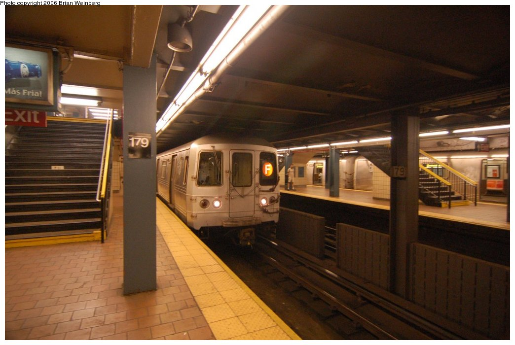 (189k, 1044x700)<br><b>Country:</b> United States<br><b>City:</b> New York<br><b>System:</b> New York City Transit<br><b>Line:</b> IND Queens Boulevard Line<br><b>Location:</b> 179th Street <br><b>Route:</b> F<br><b>Car:</b> R-46 (Pullman-Standard, 1974-75) 5574 <br><b>Photo by:</b> Brian Weinberg<br><b>Date:</b> 7/16/2006<br><b>Viewed (this week/total):</b> 1 / 4916