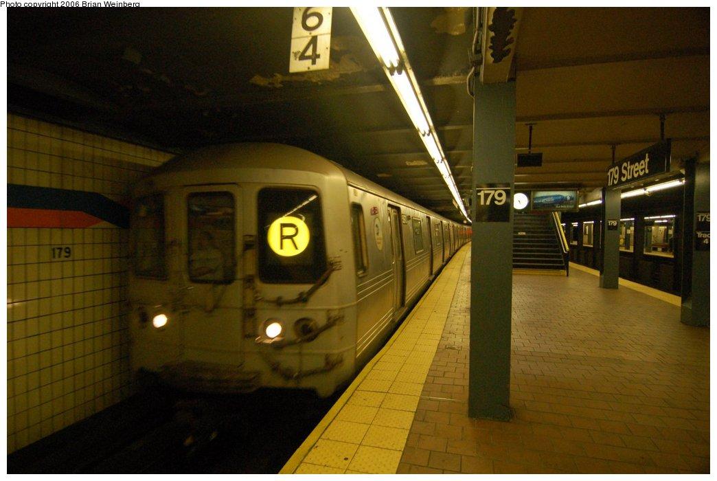 (181k, 1044x700)<br><b>Country:</b> United States<br><b>City:</b> New York<br><b>System:</b> New York City Transit<br><b>Line:</b> IND Queens Boulevard Line<br><b>Location:</b> 179th Street <br><b>Route:</b> R<br><b>Car:</b> R-46 (Pullman-Standard, 1974-75)  <br><b>Photo by:</b> Brian Weinberg<br><b>Date:</b> 7/16/2006<br><b>Viewed (this week/total):</b> 0 / 3309