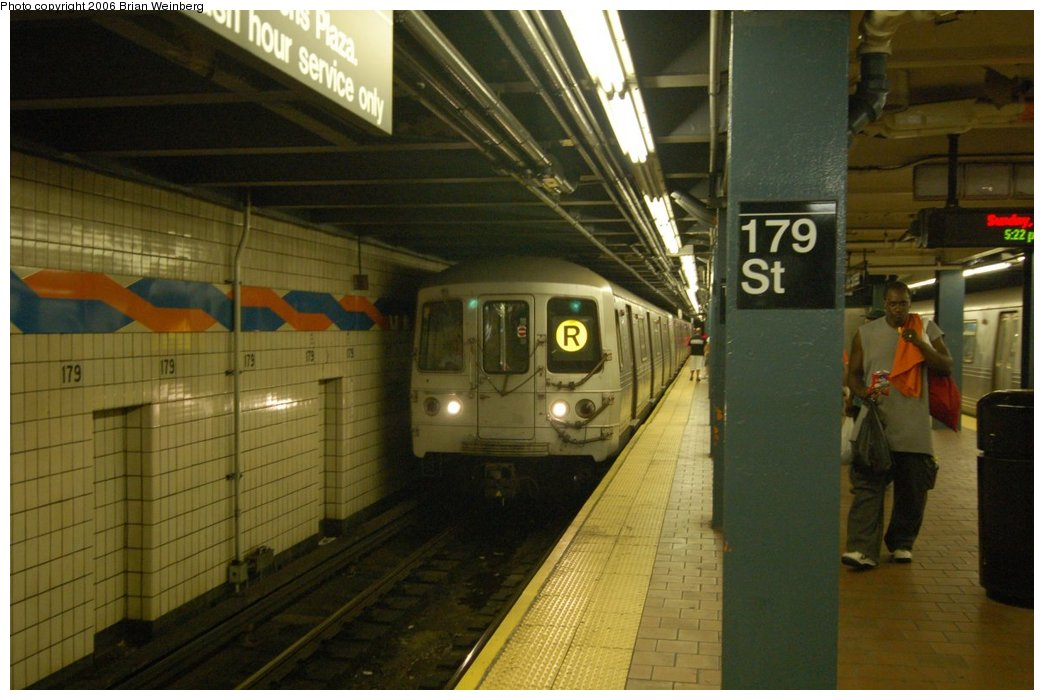 (193k, 1044x700)<br><b>Country:</b> United States<br><b>City:</b> New York<br><b>System:</b> New York City Transit<br><b>Line:</b> IND Queens Boulevard Line<br><b>Location:</b> 179th Street <br><b>Route:</b> R<br><b>Car:</b> R-46 (Pullman-Standard, 1974-75) 6056 <br><b>Photo by:</b> Brian Weinberg<br><b>Date:</b> 7/16/2006<br><b>Viewed (this week/total):</b> 1 / 3763