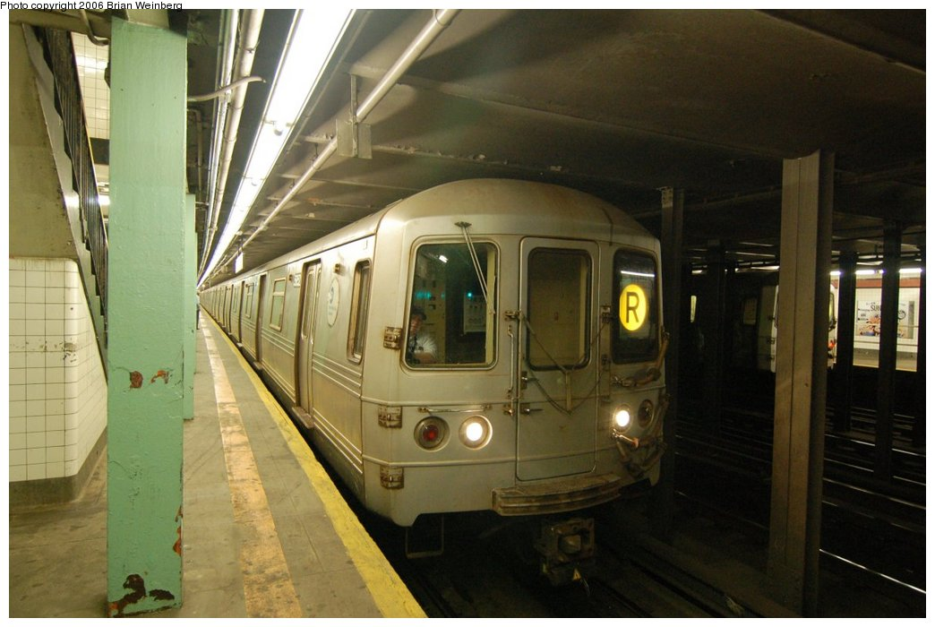 (191k, 1044x700)<br><b>Country:</b> United States<br><b>City:</b> New York<br><b>System:</b> New York City Transit<br><b>Line:</b> IND Queens Boulevard Line<br><b>Location:</b> 169th Street <br><b>Route:</b> R<br><b>Car:</b> R-46 (Pullman-Standard, 1974-75) 5852 <br><b>Photo by:</b> Brian Weinberg<br><b>Date:</b> 7/16/2006<br><b>Viewed (this week/total):</b> 2 / 5511