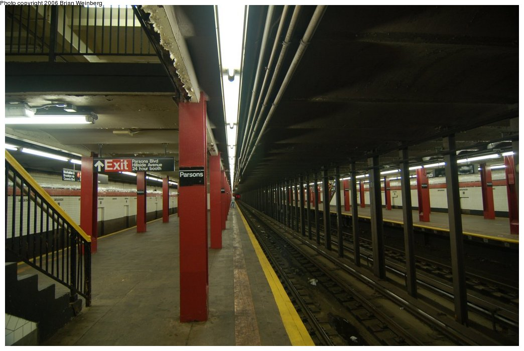 (184k, 1044x700)<br><b>Country:</b> United States<br><b>City:</b> New York<br><b>System:</b> New York City Transit<br><b>Line:</b> IND Queens Boulevard Line<br><b>Location:</b> Parsons Boulevard <br><b>Photo by:</b> Brian Weinberg<br><b>Date:</b> 7/16/2006<br><b>Viewed (this week/total):</b> 0 / 3818