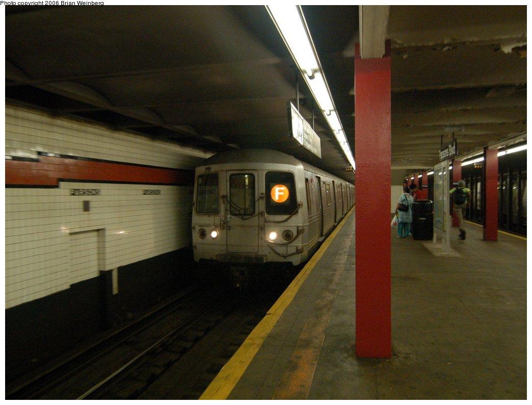 (185k, 1044x794)<br><b>Country:</b> United States<br><b>City:</b> New York<br><b>System:</b> New York City Transit<br><b>Line:</b> IND Queens Boulevard Line<br><b>Location:</b> Parsons Boulevard <br><b>Route:</b> F<br><b>Car:</b> R-46 (Pullman-Standard, 1974-75) 6156 <br><b>Photo by:</b> Brian Weinberg<br><b>Date:</b> 7/16/2006<br><b>Viewed (this week/total):</b> 4 / 4254