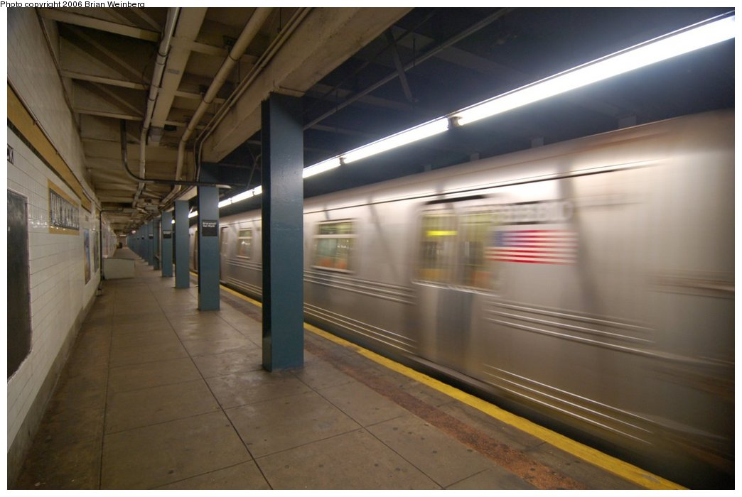 (166k, 1044x700)<br><b>Country:</b> United States<br><b>City:</b> New York<br><b>System:</b> New York City Transit<br><b>Line:</b> IND Queens Boulevard Line<br><b>Location:</b> Briarwood/Van Wyck Boulevard <br><b>Car:</b> R-46 (Pullman-Standard, 1974-75)  <br><b>Photo by:</b> Brian Weinberg<br><b>Date:</b> 7/16/2006<br><b>Viewed (this week/total):</b> 1 / 3072