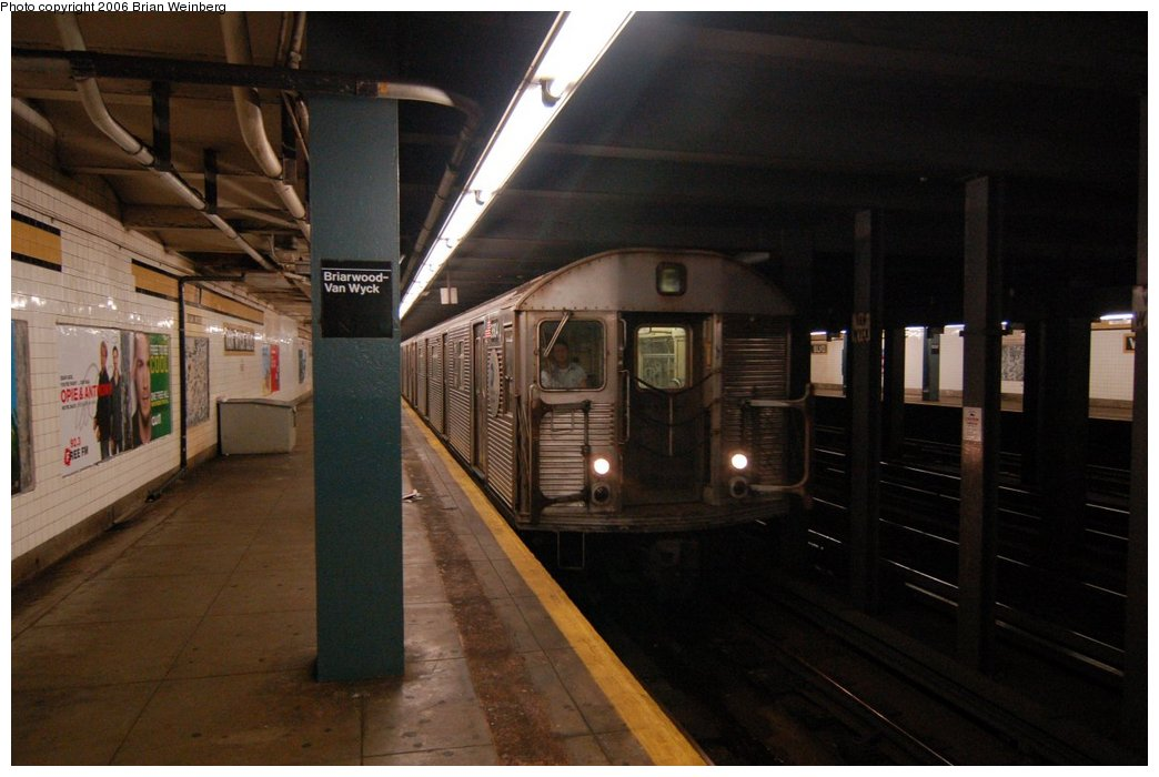 (182k, 1044x700)<br><b>Country:</b> United States<br><b>City:</b> New York<br><b>System:</b> New York City Transit<br><b>Line:</b> IND Queens Boulevard Line<br><b>Location:</b> Briarwood/Van Wyck Boulevard <br><b>Route:</b> F<br><b>Car:</b> R-32 (Budd, 1964)  3604 <br><b>Photo by:</b> Brian Weinberg<br><b>Date:</b> 7/16/2006<br><b>Viewed (this week/total):</b> 3 / 4026