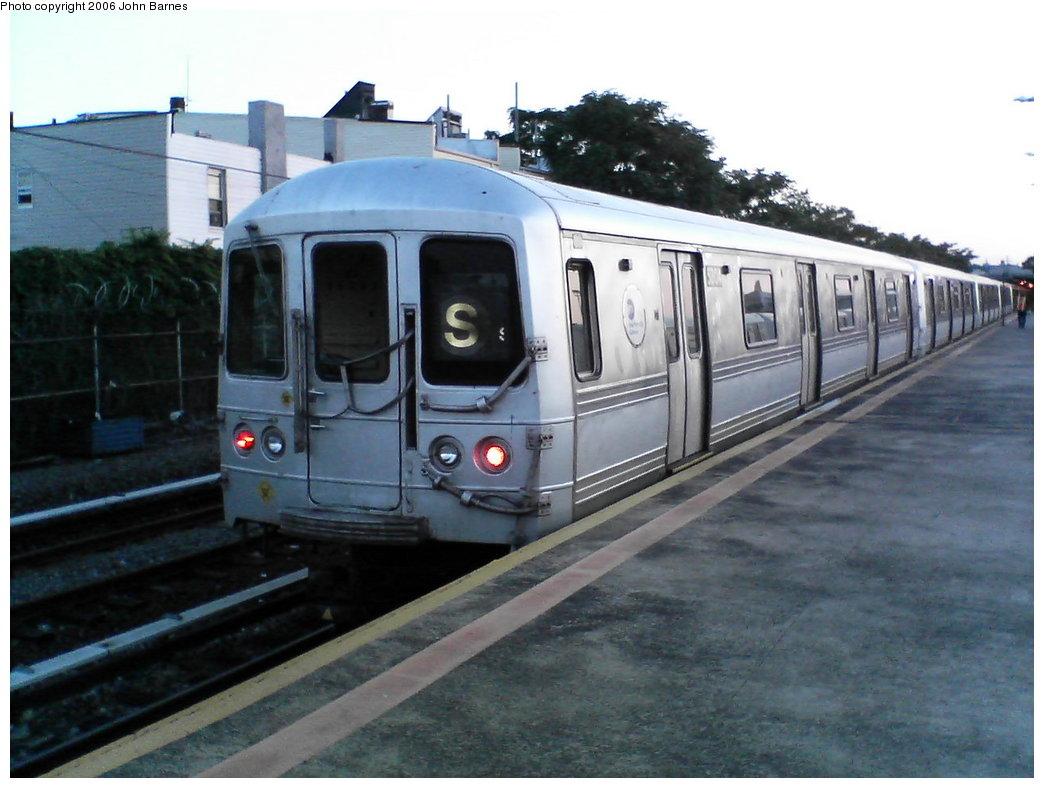 (146k, 1044x788)<br><b>Country:</b> United States<br><b>City:</b> New York<br><b>System:</b> New York City Transit<br><b>Line:</b> IND Rockaway<br><b>Location:</b> Rockaway Park/Beach 116th Street <br><b>Route:</b> S<br><b>Car:</b> R-44 (St. Louis, 1971-73) 5304 <br><b>Photo by:</b> John Barnes<br><b>Date:</b> 7/16/2006<br><b>Viewed (this week/total):</b> 1 / 2383