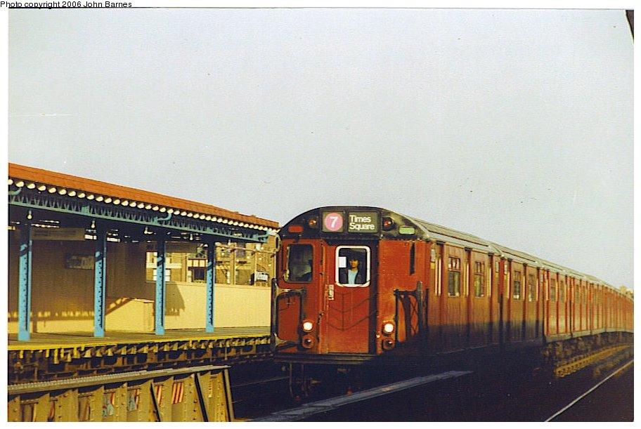 (107k, 912x611)<br><b>Country:</b> United States<br><b>City:</b> New York<br><b>System:</b> New York City Transit<br><b>Line:</b> IRT Flushing Line<br><b>Location:</b> 74th Street/Broadway <br><b>Route:</b> 7<br><b>Car:</b> R-36 World's Fair (St. Louis, 1963-64)  <br><b>Photo by:</b> John Barnes<br><b>Date:</b> 11/9/1991<br><b>Viewed (this week/total):</b> 0 / 3056