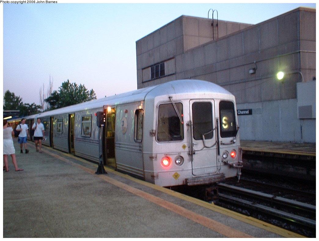 (156k, 1044x788)<br><b>Country:</b> United States<br><b>City:</b> New York<br><b>System:</b> New York City Transit<br><b>Line:</b> IND Rockaway<br><b>Location:</b> Broad Channel <br><b>Route:</b> S<br><b>Car:</b> R-44 (St. Louis, 1971-73) 5304 <br><b>Photo by:</b> John Barnes<br><b>Date:</b> 7/16/2006<br><b>Viewed (this week/total):</b> 0 / 2400
