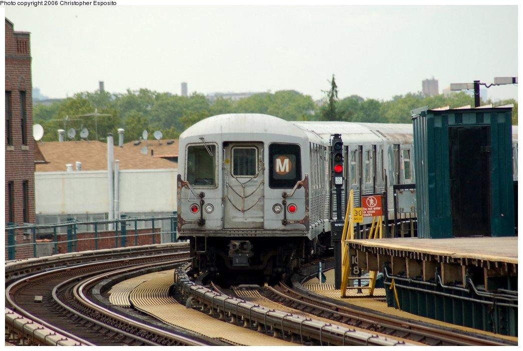 (134k, 1044x701)<br><b>Country:</b> United States<br><b>City:</b> New York<br><b>System:</b> New York City Transit<br><b>Line:</b> BMT West End Line<br><b>Location:</b> 18th Avenue <br><b>Route:</b> M<br><b>Car:</b> R-42 (St. Louis, 1969-1970)   <br><b>Photo by:</b> Christopher Esposito<br><b>Date:</b> 7/20/2006<br><b>Viewed (this week/total):</b> 2 / 2461