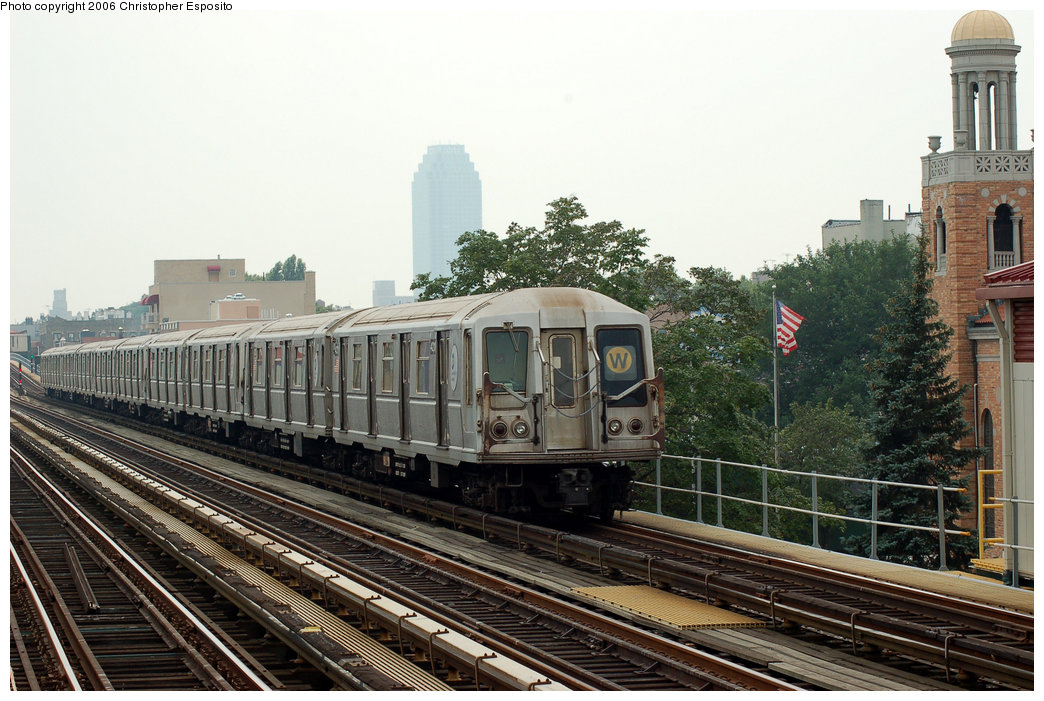 (204k, 1044x701)<br><b>Country:</b> United States<br><b>City:</b> New York<br><b>System:</b> New York City Transit<br><b>Line:</b> BMT Astoria Line<br><b>Location:</b> 30th/Grand Aves. <br><b>Route:</b> W<br><b>Car:</b> R-40 (St. Louis, 1968)  4211 <br><b>Photo by:</b> Christopher Esposito<br><b>Date:</b> 7/27/2006<br><b>Viewed (this week/total):</b> 1 / 2359