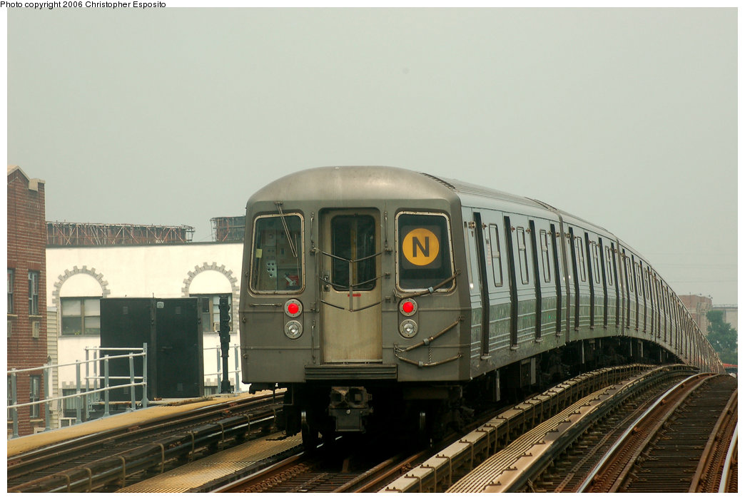 (149k, 1044x701)<br><b>Country:</b> United States<br><b>City:</b> New York<br><b>System:</b> New York City Transit<br><b>Line:</b> BMT Astoria Line<br><b>Location:</b> 30th/Grand Aves. <br><b>Route:</b> N<br><b>Car:</b> R-68 (Westinghouse-Amrail, 1986-1988)   <br><b>Photo by:</b> Christopher Esposito<br><b>Date:</b> 7/27/2006<br><b>Viewed (this week/total):</b> 2 / 2663